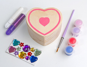 Melissa and Doug Wooden Heart Box to Decorate. Art and Craft kit