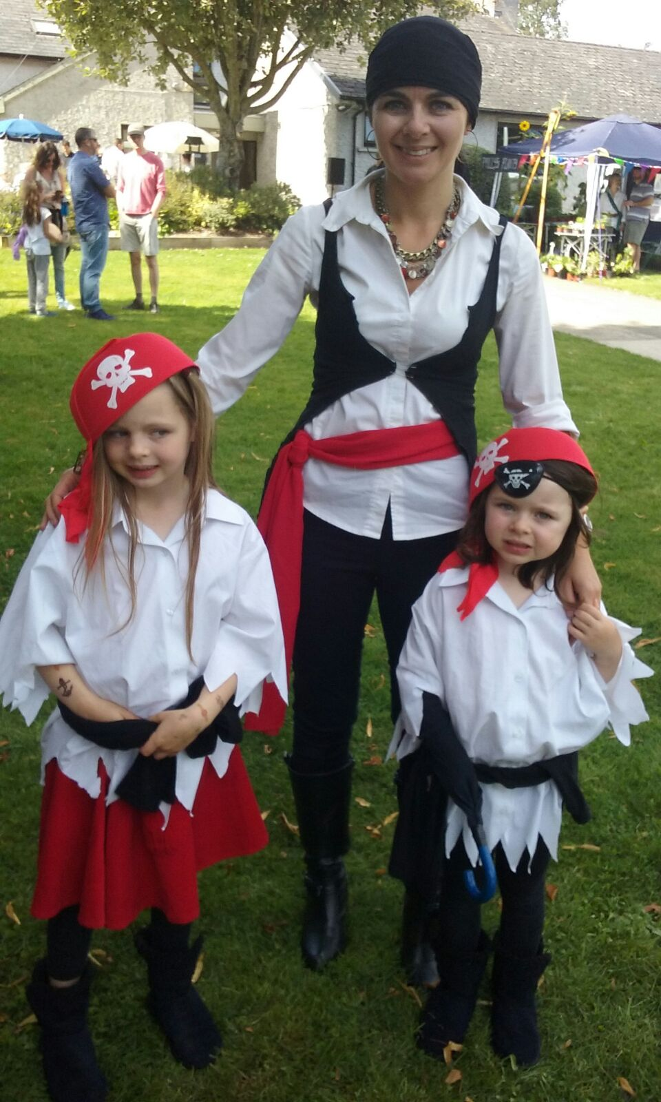 How to make Pirate Costumes for less than €6 each